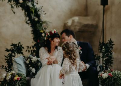 maelys-izzo-photogrape-mariage-vaucluse-petit-roulet-cavaillon (48)